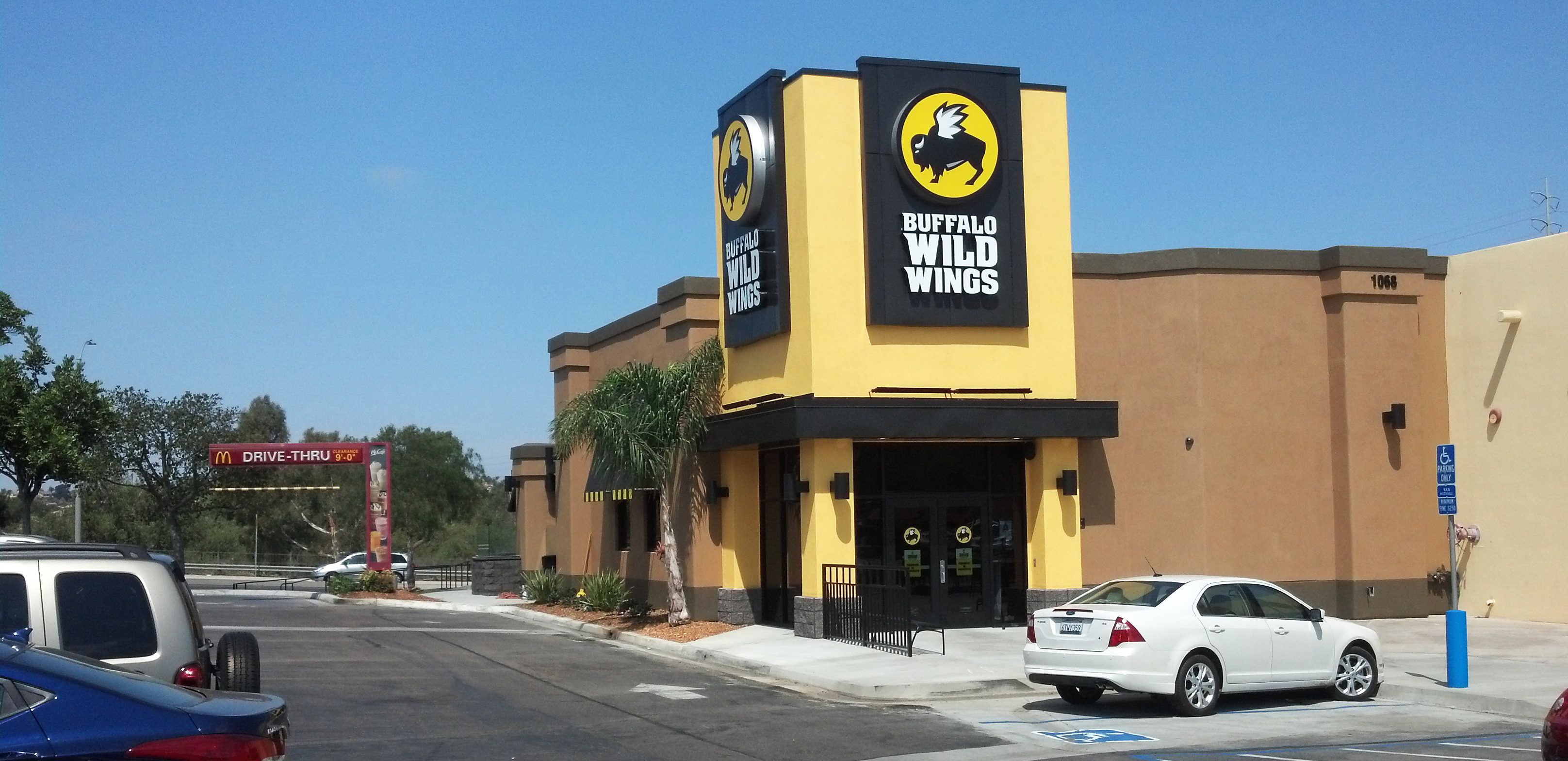 buffalo-wild-wings-stucco